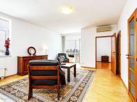 obývací pokoj (Prodej bytu 2+kk v osobním vlastnictví 74 m², Praha 2 - Vinohrady)