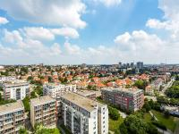 výhled z oken (Prodej bytu 2+kk v osobním vlastnictví 74 m², Praha 2 - Vinohrady)