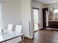 propojení obývacího pokoje a kuchyně (Prodej domu v osobním vlastnictví 80 m², Nehvizdy)