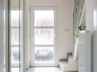 chodba a vchod do domu (Prodej domu v osobním vlastnictví 80 m², Nehvizdy)