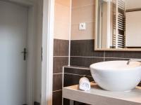 koupelna  (Prodej domu v osobním vlastnictví 80 m², Nehvizdy)