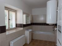koupelna (Prodej domu v osobním vlastnictví 87 m², Zlonice)