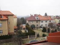 podkroví - výhled z ložnice (Prodej domu v osobním vlastnictví 218 m², Praha 6 - Břevnov)