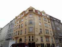 pohled na dům - Pronájem bytu 2+1 v osobním vlastnictví 69 m², Praha 1 - Josefov
