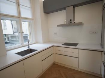 kuchyně - Pronájem bytu 2+1 v osobním vlastnictví 69 m², Praha 1 - Josefov
