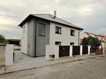 Prodej domu v osobním vlastnictví 120 m², Benátky nad Jizerou