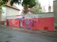 komerční objekt leží při rušné Nádražní ulici - Prodej komerčního objektu 223 m², Roztoky