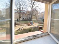 Pohled z okna - Prodej bytu 2+1 v osobním vlastnictví 68 m², Praha 7 - Holešovice