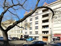 Pohled na dům - Prodej bytu 2+1 v osobním vlastnictví 68 m², Praha 7 - Holešovice