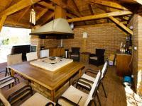 altán s kuchyní - Prodej domu v osobním vlastnictví 330 m², Měšice