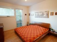 ložnice 2 - 2.NP - Prodej domu v osobním vlastnictví 220 m², Praha 10 - Kolovraty