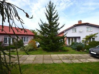 domy 6+kk a 3+kk - Prodej domu v osobním vlastnictví 280 m², Holubice