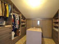 2.N.P. šatna - Prodej domu v osobním vlastnictví 280 m², Holubice