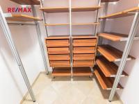 komora s vestavným systémem - Prodej bytu 3+kk v osobním vlastnictví 92 m², Praha 5 - Stodůlky