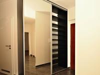 dostatek místa pro módní novinky - Prodej bytu 4+kk v osobním vlastnictví 100 m², Praha 5 - Zličín