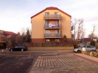 pohled od parkoviště - Prodej bytu 3+kk v osobním vlastnictví 91 m², Přezletice