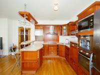 Prodej bytu 5+kk v osobním vlastnictví 150 m², Praha 4 - Kunratice
