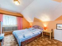 Pokoj 2 - podkroví (Prodej domu v osobním vlastnictví 300 m², Benecko)