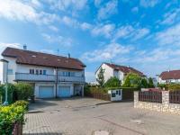 Prodej domu v osobním vlastnictví 180 m², Praha 8 - Březiněves
