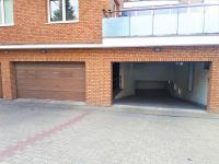 Vjezd - Pronájem garážového stání 15 m², Dolní Břežany
