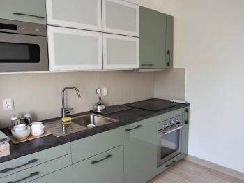Kuchyň - Pronájem bytu 3+1 v osobním vlastnictví 77 m², Praha 5 - Hlubočepy