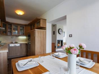 Prodej domu v osobním vlastnictví 317 m², Milín