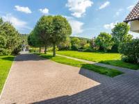 Příjezdová cesta - Prodej domu v osobním vlastnictví 223 m², Libeř