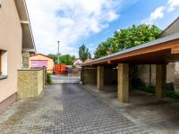 Parkování - Prodej domu v osobním vlastnictví 241 m², Psáry