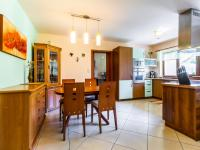 B Jídelní kout - Prodej domu v osobním vlastnictví 241 m², Psáry