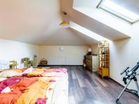 B Podkroví - Prodej domu v osobním vlastnictví 241 m², Psáry