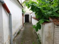Vchod - Prodej domu v osobním vlastnictví 200 m², Libníč