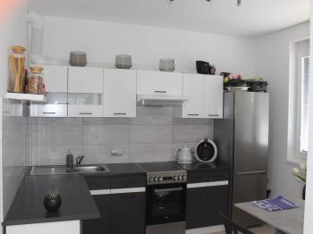 Pronájem bytu 2+kk v osobním vlastnictví 56 m², Praha 10 - Uhříněves