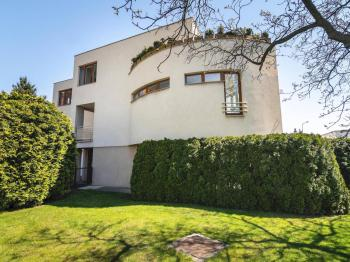 Prodej domu v osobním vlastnictví 197 m², Praha 4 - Podolí