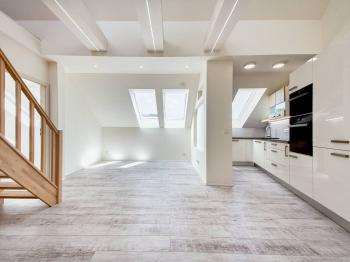 Pronájem bytu 3+1 v osobním vlastnictví 73 m², Praha 8 - Troja