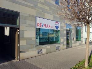 RE/MAX K2