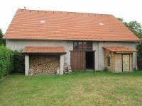 Stodola (Prodej domu v osobním vlastnictví 500 m², Lipovec)
