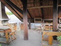 Letní kuchyně (Prodej domu v osobním vlastnictví 500 m², Lipovec)