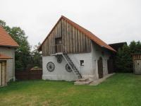 Domek s letním bytem a dílnou (Prodej domu v osobním vlastnictví 500 m², Lipovec)
