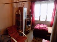 Obývací pokoj (Prodej bytu 2+kk v osobním vlastnictví 39 m², Praha 10 - Vršovice)