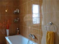 koupelna (Prodej domu v osobním vlastnictví 90 m², Dřenice)