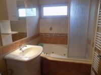 Koupelna (Prodej domu v osobním vlastnictví 230 m², Heřmanův Městec)