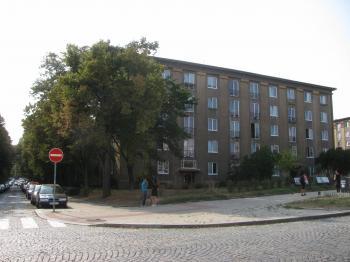 dům - Prodej bytu 2+1 v družstevním vlastnictví 65 m², Praha 10 - Vršovice