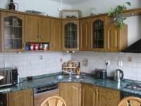 kuchyň byt 2. - Prodej domu v osobním vlastnictví 500 m², Hlinsko