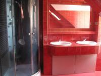 koupelna byt 1 - Prodej komerčního objektu 500 m², Hlinsko