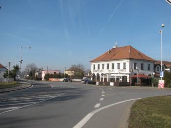 budova - Prodej komerčního objektu 2705 m², Ostřetín