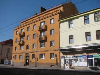 dům - Prodej bytu 2+1 v osobním vlastnictví 62 m², Pardubice