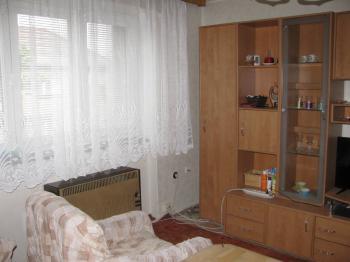 obývací pokoj - Prodej bytu 2+1 v osobním vlastnictví 55 m², Pardubice