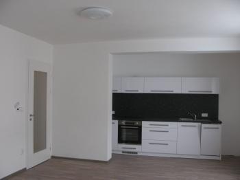 kuchyňský kout - Pronájem bytu 1+kk v osobním vlastnictví 45 m², Chrudim