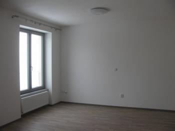 pokoj - Pronájem bytu 1+kk v osobním vlastnictví 45 m², Chrudim