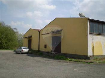 Pronájem komerčního objektu 1000 m², Lukavice